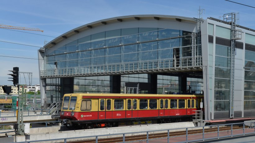 S-Bahn mit Problemen im Berufsverkehr