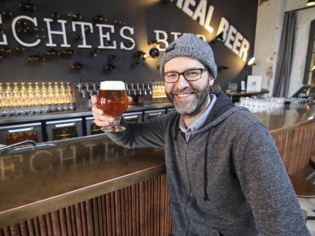 Cheers! Braumeister Thomas Tyrell betreibt das Stone Brewing in Berlin