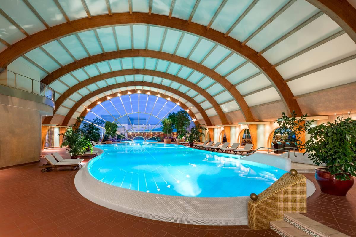 nacktbaden hotel pool