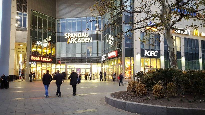 verkaufsoffener sonntag in berlin diese l den und shops haben am 27 januar ge ffnet berlin. Black Bedroom Furniture Sets. Home Design Ideas