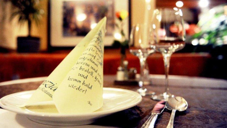 Zwei Drittel der Bundesbürger ärgern sich, wenn ihr warmes Essen nicht nach spätestens 30 Minuten auf dem Tisch steht.