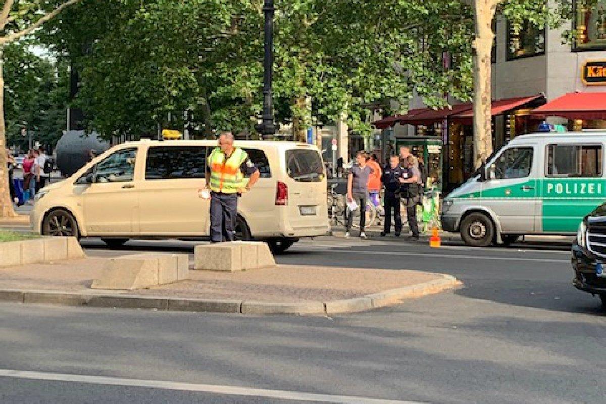 Blaulicht-Blog: Polizei kontrolliert PS-Protze am Kudamm