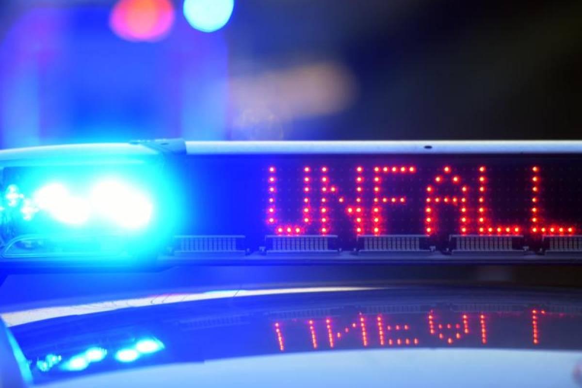 Blaulicht Blog Autofahrer Prallt Gegen Baum Und Stirbt