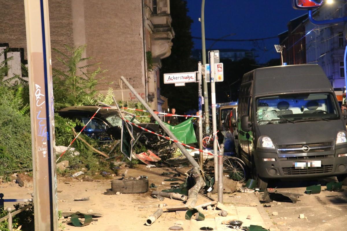 video porsche unfall berlin