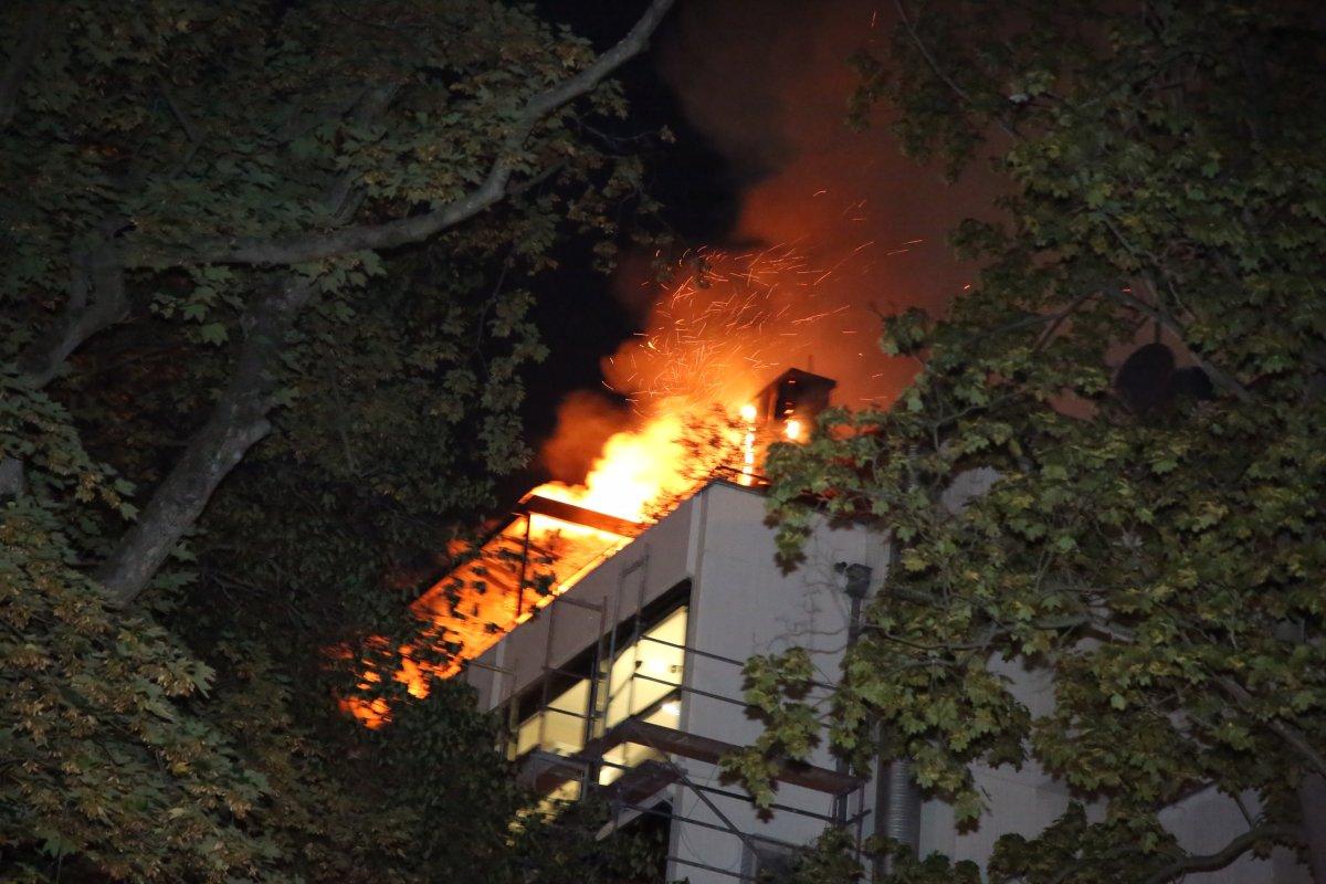 Blaulicht-Blog: Wohnungsbrand in Moabit - tote Frau entdeckt