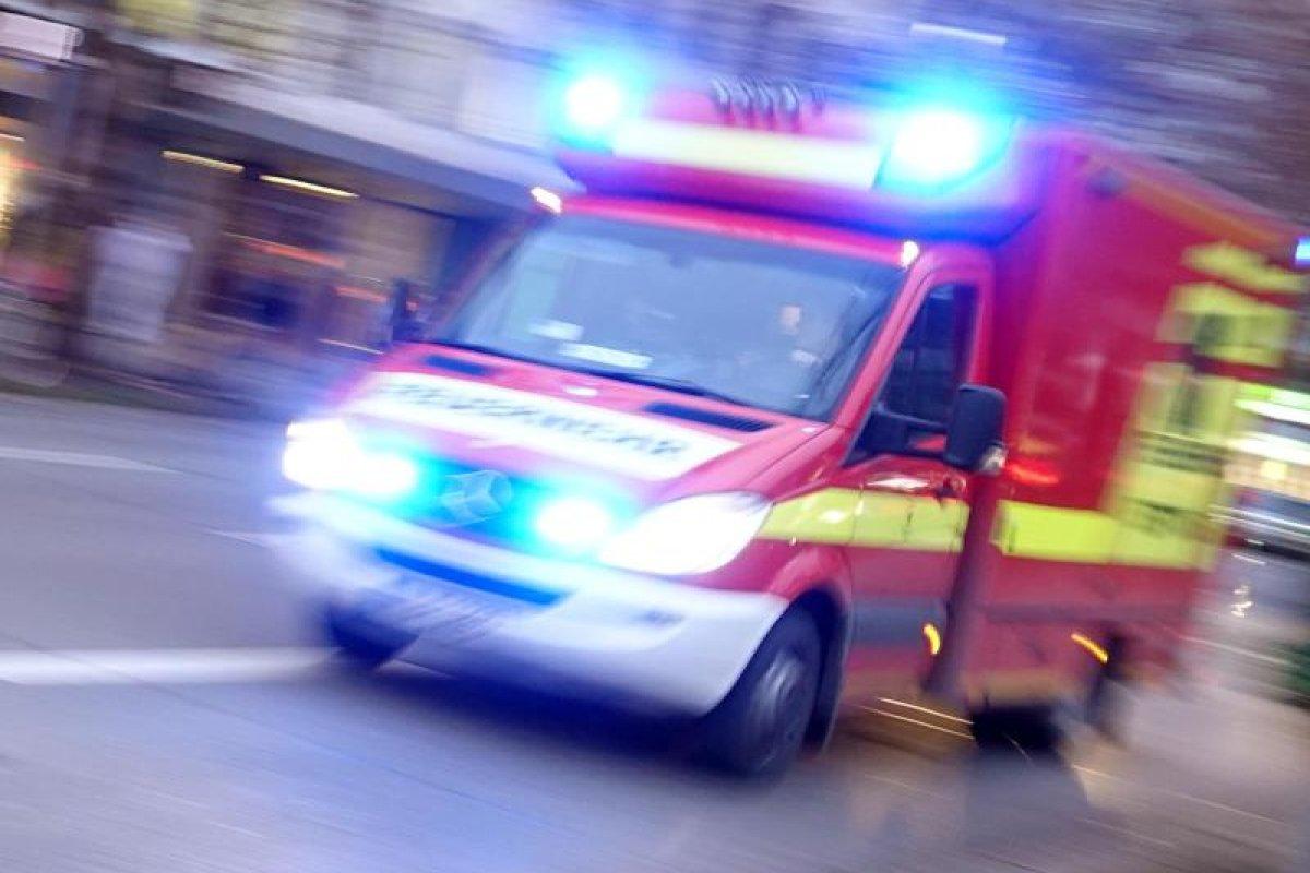 Berlin-Charlottenburg: Mann wird mit Eisenstange verprügelt