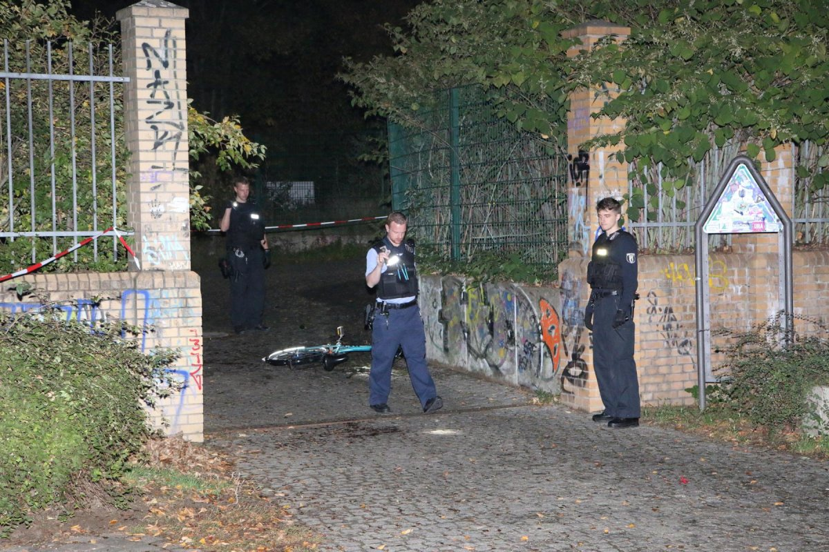 Berlin- Kreuzberg: Streit in Görlitzer Park - Flasche geworfen