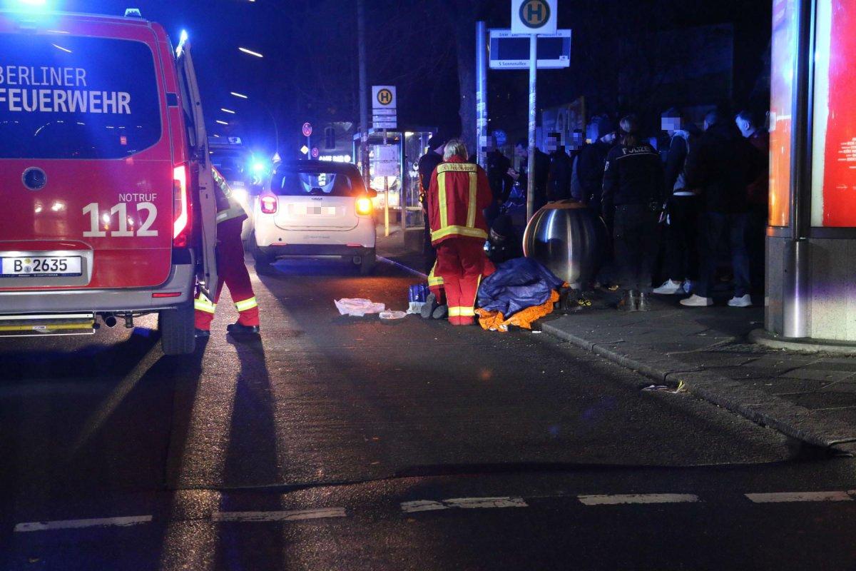 Person von Carsharing-Auto angefahren - Schwer verletzt