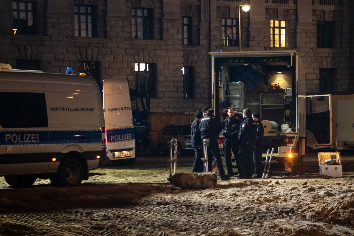 Berlin: Bombe am Alexanderplatz entschärft