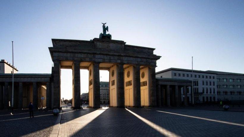 """""""Earth Hour"""" in Berlin: Zeichen für den Klimaschutz"""