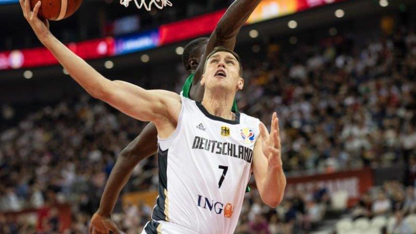 """Basketballer Voigtmann: """"Russland fluchtartig verlassen"""""""
