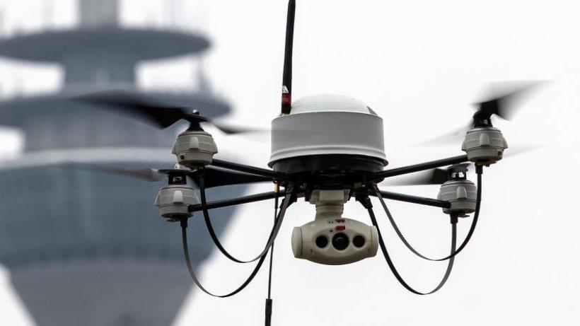 Corona-Krise: Polizeigewerkschaften offen für Drohneneinsatz