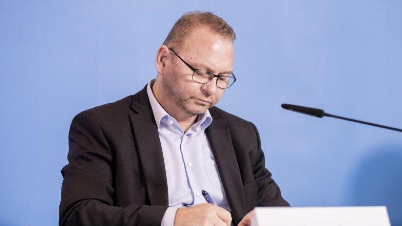 Verdi-Chef fordert mehr Pflegepersonal
