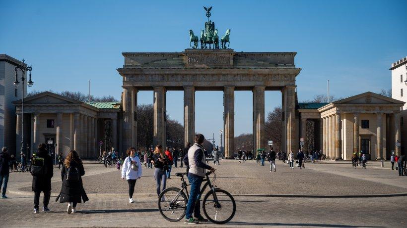 Corona in Berlin: 287 Neuinfektionen in Berlin, zwölf weitere Tote, Inzidenz bei 57,2 - Berliner Morgenpost