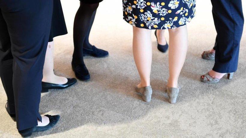 DGB begrüßt Beratungen über Frauenquote und fordert mehr