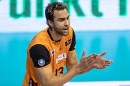 Berlin-Volleys-Profi: Queerer Volleyball-Star Patch: