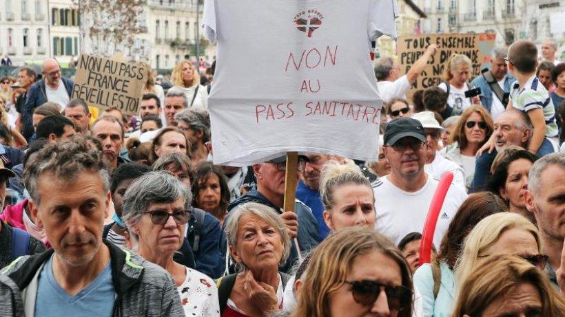 Image Demonstrationen: Wieder Zehntausende bei Corona-Protesten in Frankreich