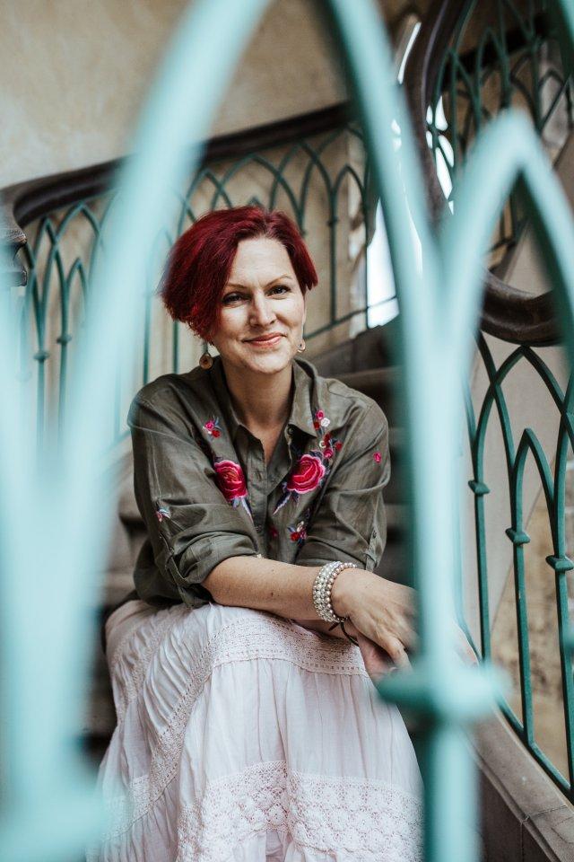 Anne Durmaz, Dipl. Systemischer Coach, Entspannungstherapeutin und Hormonyogalehrerin.