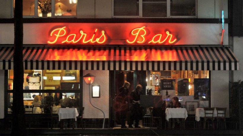 Paris bar wohnzimmer der berliner boh me berlin for Wohnzimmer bar berlin