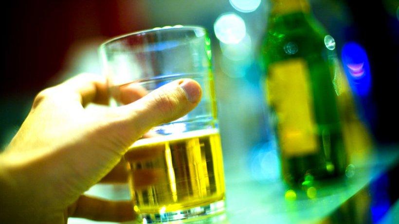 alkohol im blut was passiert bei wie viel promille. Black Bedroom Furniture Sets. Home Design Ideas