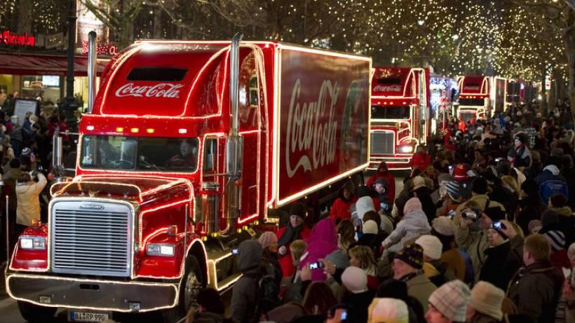 Coca Cola Weihnachtstrucks Am Brandenburger Tor Berlin Aktuell