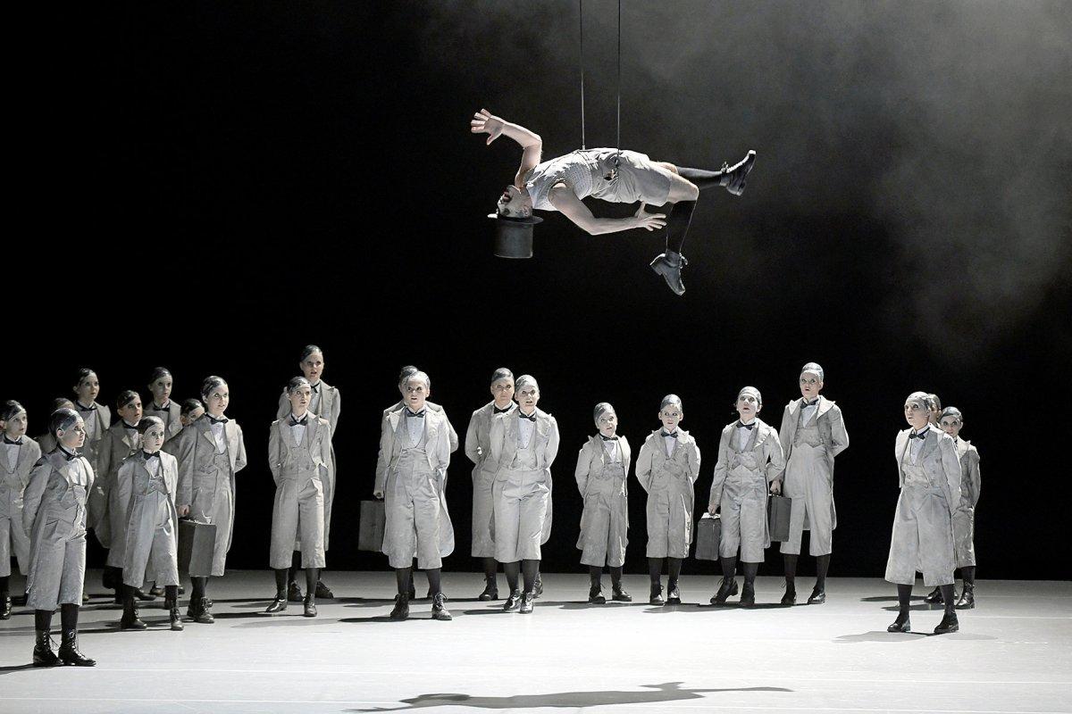 Deutsche Oper: Dunkle Träume einer Sommernacht