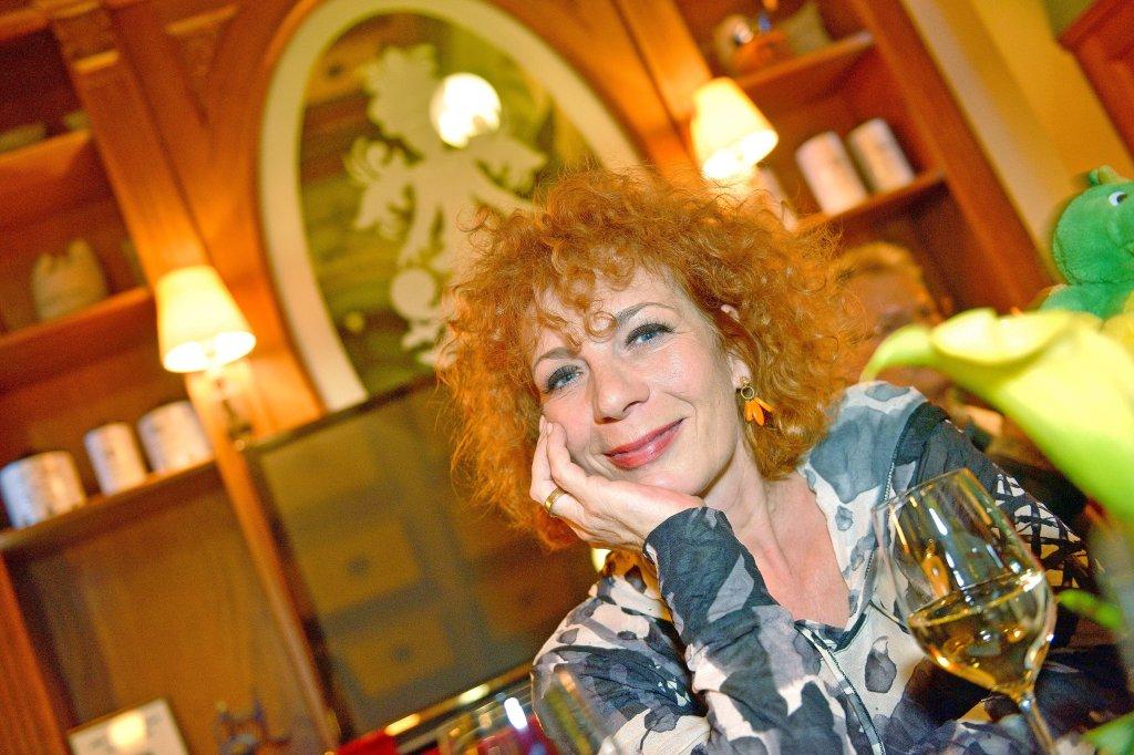 love explore Reife Lesben in der Küche love oral, more tho