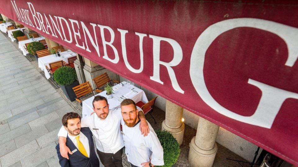 Restaurantleiter Michele Negrini, Executive Chef Michél Engling, Souschef Markus Silbernagel (v.l.)