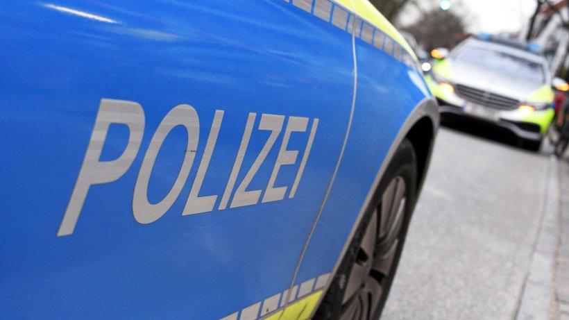 Polizeiticker Berlin: Mann zündet Böller in Geschäft in Weißensee