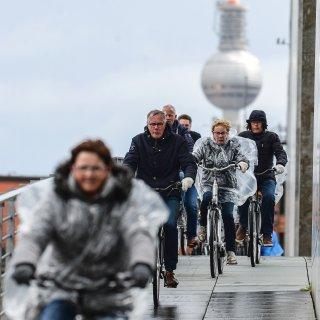Berlin zeigt sich an diesem April-Sonntag von seiner ungemütlichen Seite.