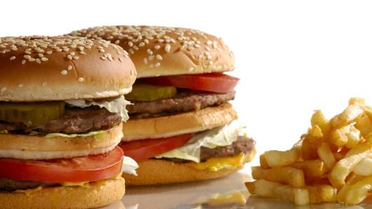 McDonald's lässt ab Ende März Hamburger und Fritten auch nach Hause kommen