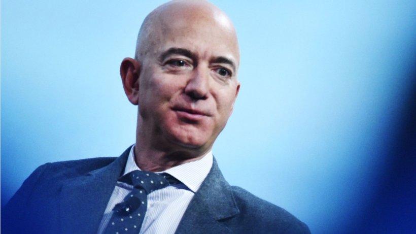Bezos nackt MacKenzie  Mackenzie Scott