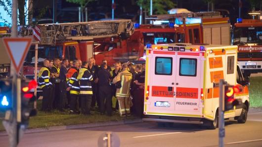 Rettungskräfte am Olympia-Einkaufszentrum