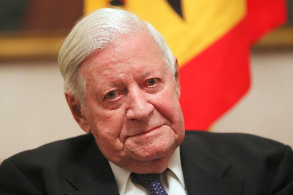 Helmut Schmidt Auf Einer Zwei Euro Münze Ohne Zigarette Politik