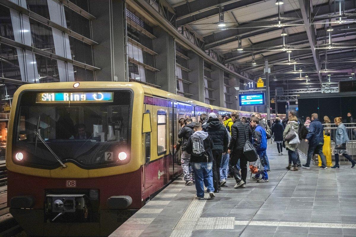 S-Bahn Berlin: Zugbetrieb auf der gesamten Ringbahn eingestellt