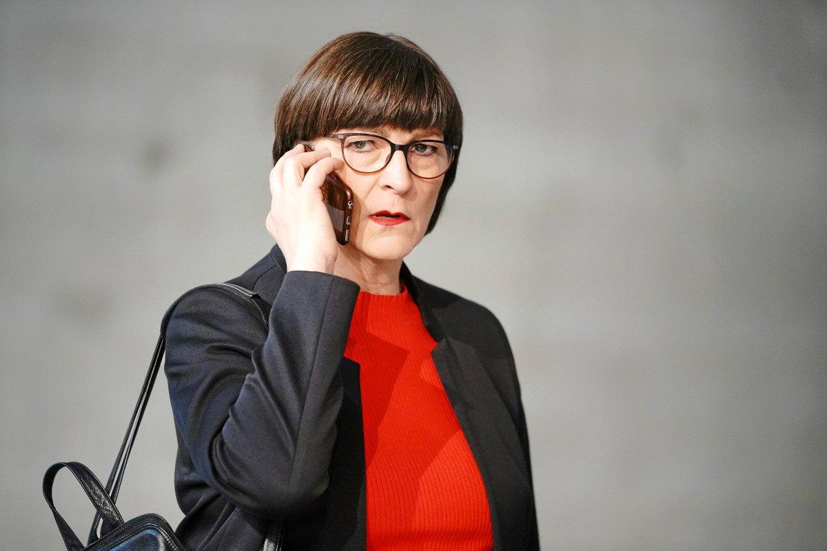 SPD-Chefin Saskia Esken: Ex-Mitarbeiter erheben schwere Spitzel-Vorwürfe