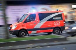 Polizei und Feuerwehr: Blaulicht-Blog: Lkw mit Bauschutt umgestürzt