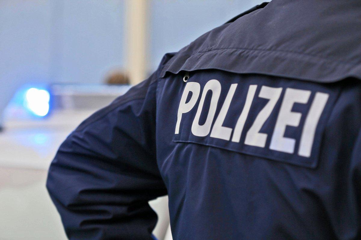 Berlin-Neukölln: Mann am Hermannplatz mit Messer am Hals verletzt