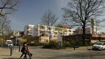 30 Männer lieferten sich am Dienstag im St. Joseph Krankenhaus in Berlin-Tempelhof eine Massenschlägerei (Archivbild).