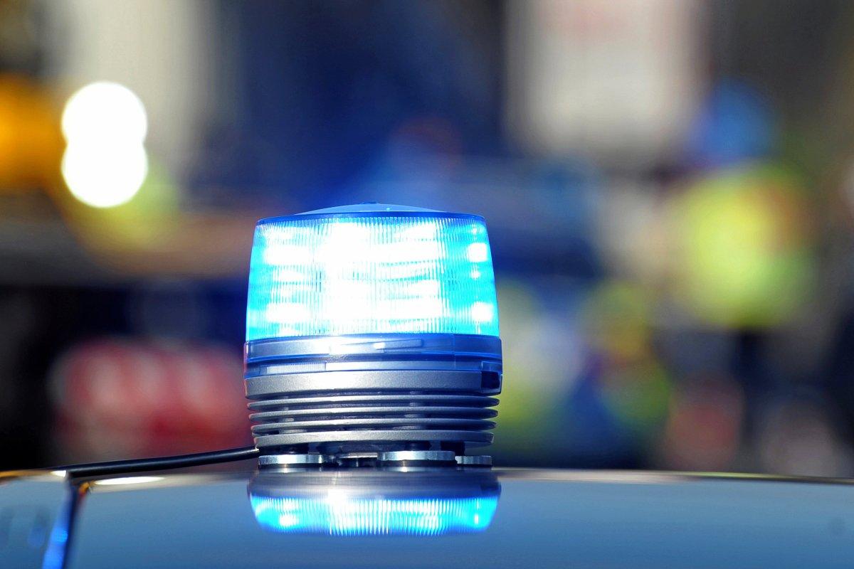 Oberschöneweide (Treptow-Köpenick): Kontrolleur geschlagen und beleidigt
