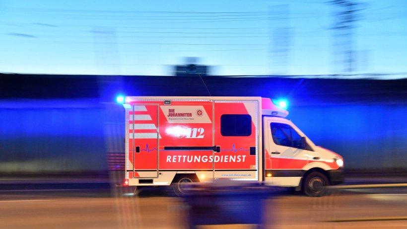 Mann am U-Bahnhof Platz der Luftbrücke brutal verprügelt