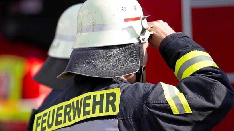 Neukölln: Unbekannte setzten Wohnungstür in Brand