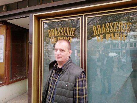 Vincent Garcia, Besitzer und Küchenchef des Restaurants Pastis, vor der Brasserie Le Paris im Maison du France am Kurfürstendamm. Garcia übernimmt das Restaurant nach einem grundlegenden Umbau.
