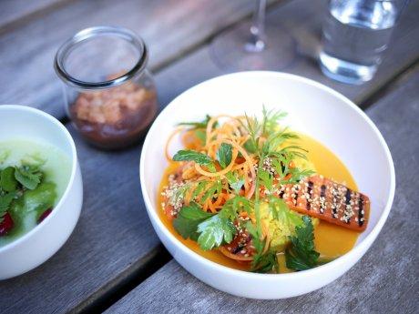 """Rezept der Woche:Geräucherte Karotte mit Orangencouscous von Alexander Brosin aus dem """"Data Kitchen""""."""