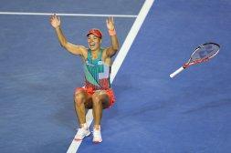 Völlig losgelöst! Angelique Kerber genießt den Moment nach dem Finalsieg