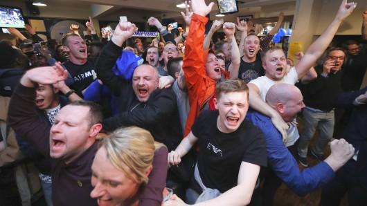 Ausnnahmezustand im Pub: Fans von Leicester City flippen kollektiv aus