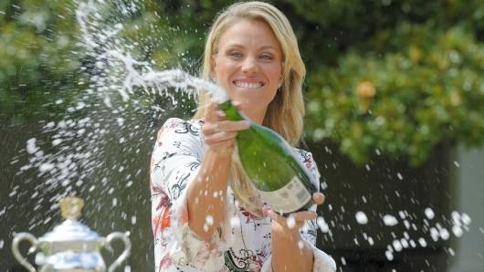 Momente überschäumender Freude: Angelique Kerber genoss im vergangenen Jahr auch die Foto-Sessions nach ihrem ersten großen Tennis-Sieg