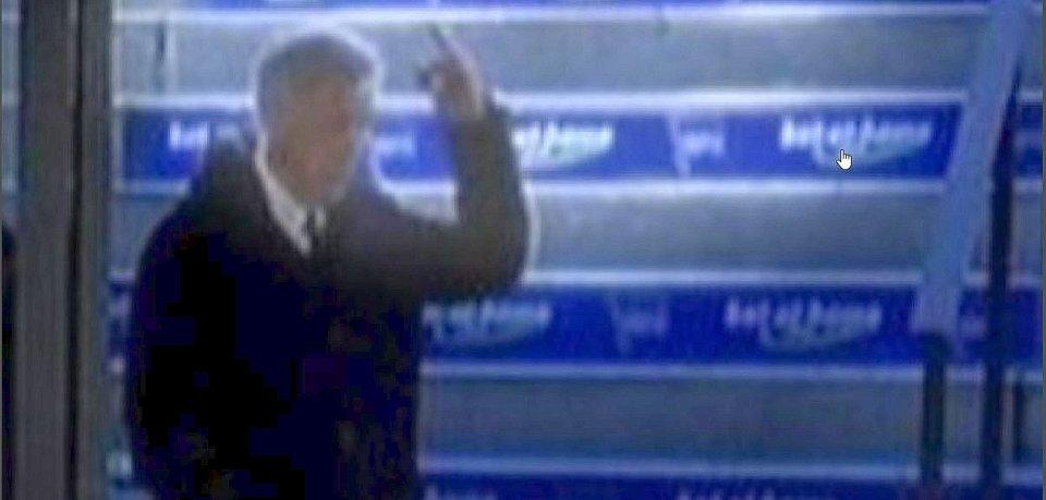 Mittelfinger gegen Hertha-Fans