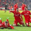 Sebastian Polter, Steven Skrzybski, Simon Hedlund und die pure Freude nach der Führung gegen 1860 München