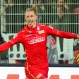 Sebastian Polter bejubelt seinen Treffer zum 1:0
